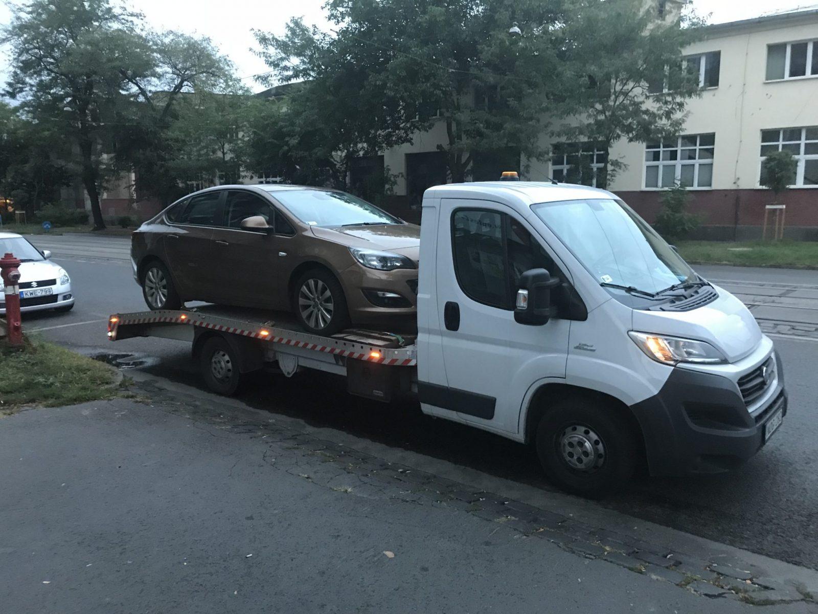 Új autó szállítása