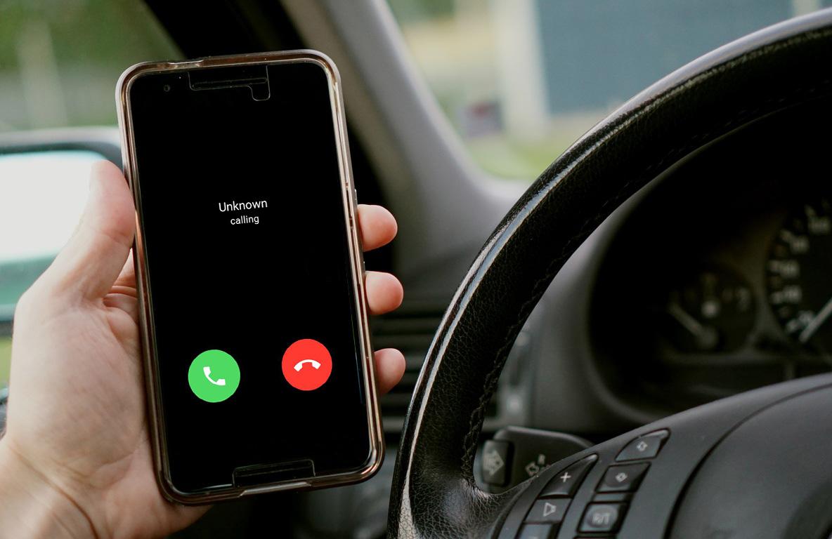 Telefonálás vezetés közben