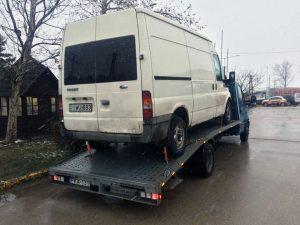 kisteherautó szállítása
