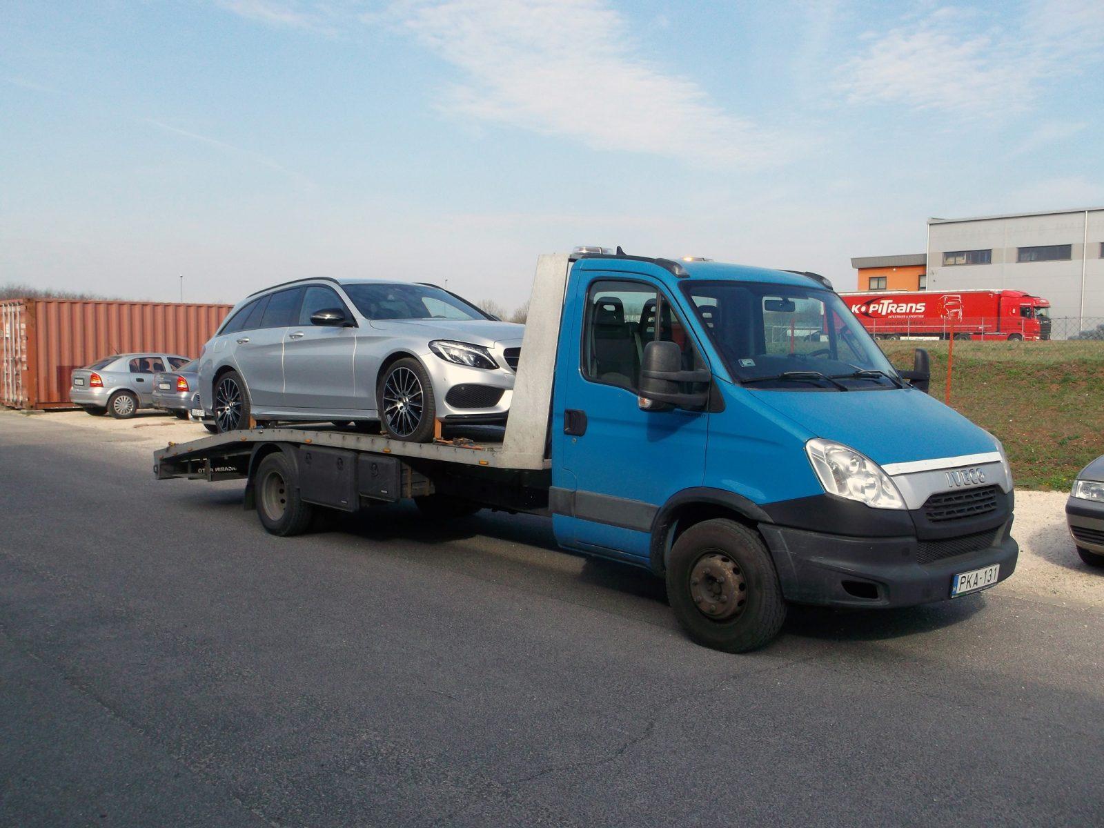 Mélygarázsból parkolóházból való autómentés, autószállítás