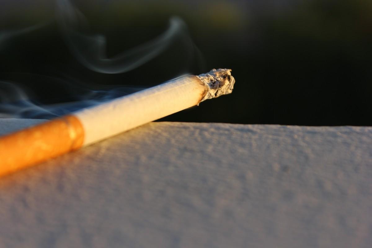 Vezetés közbeni dohányzás és veszélyei