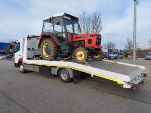Mezőgadasági gépek szállítása